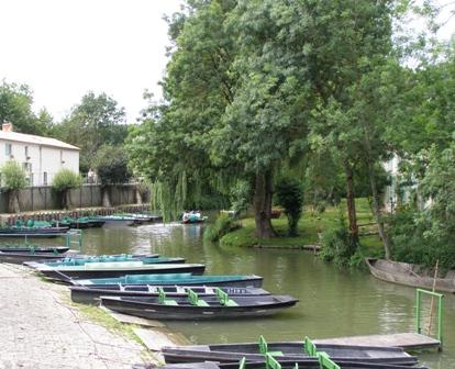 port Maillezais chambre d`hôtes L`ancienne ferme à Courçon